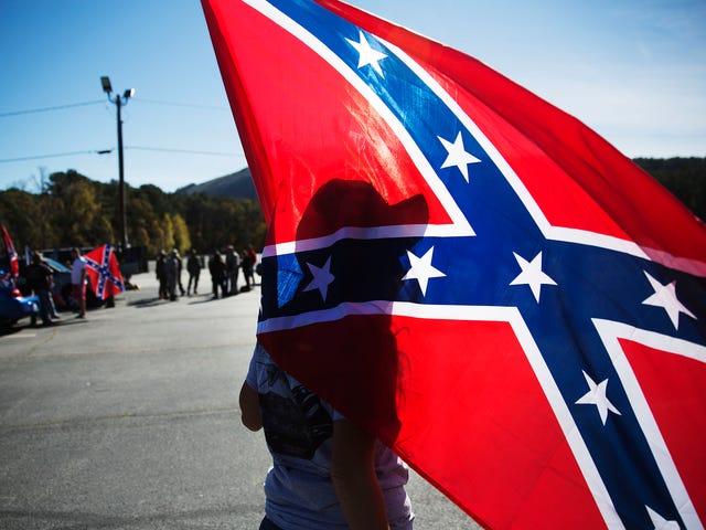 """Insegnante di liceo della Georgia Indagato per aver detto alla classe che la bandiera confederata è """"Come un cestino bianco Salva la data card"""""""