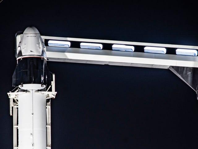 Ujian Pengguguran Dalam Penerbangan SpaceX Dengan Kemungkinan Meletup Roket Tertunda Sehingga Ahad Kerana Cuaca