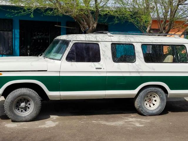 The Mexican-Market Ford B-100 là chiếc Ford 3 cửa F-150 của những giấc mơ của bạn