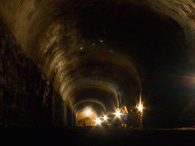 Küçük Politikalar Nedeniyle 1836'dan Bir Tren Brooklyn'e Gömülebilir