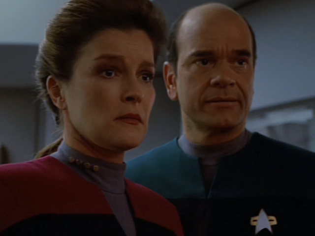These Machine Learning-Enhanced Clips Might Be Our Only Chance of Seeing HD Star Trek: Voyager Any Time Soon