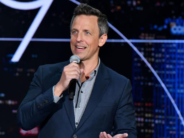 Το νέο stand-up του Seth Meyers σας επιτρέπει να παραλείψετε τα αστεία του Trump