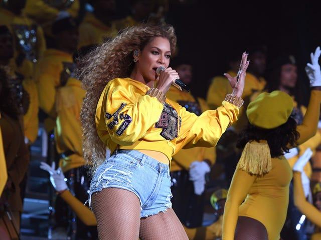 Album Beyonce Baru Datang ke Rumah, Juga