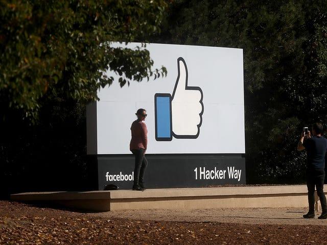 Το Facebook λέει ότι οι κυβερνητικές αιτήσεις για δεδομένα χρήστη αυξήθηκαν κατά 21% στο πρώτο εξάμηνο του 2017