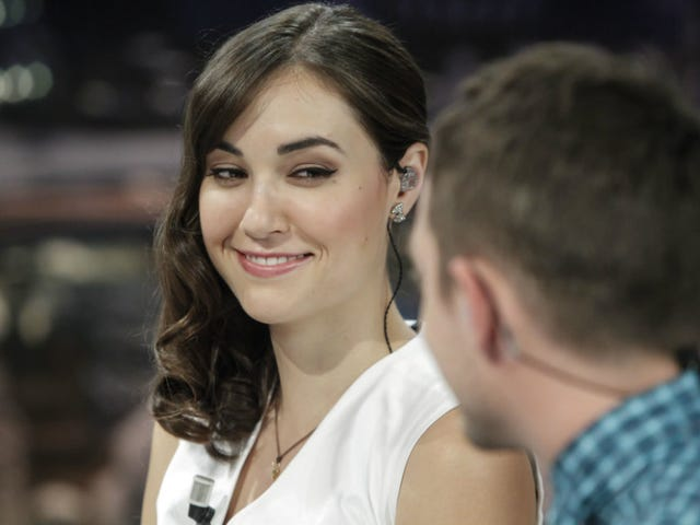 Sasha Grey Is Not a Murdered Battle Nurse in the Ukraine