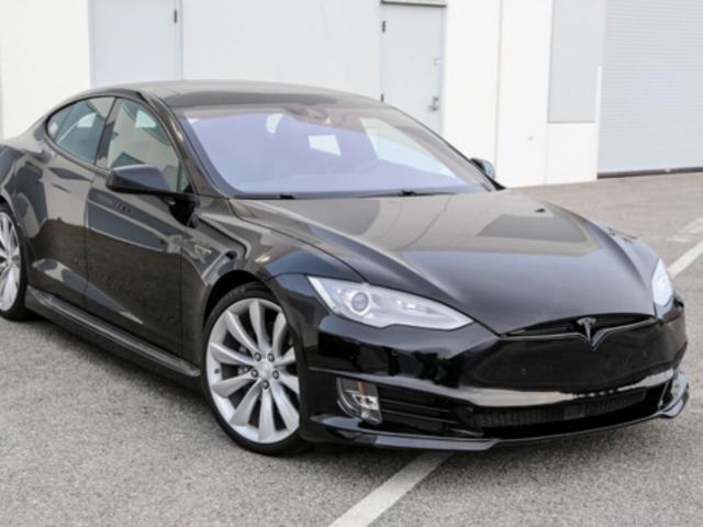 Respecto a la regeneración de frenos de Tesla.