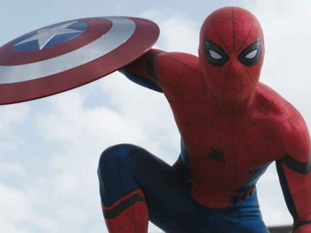 <i>Spider-Man: Homecoming</i> Set Pic Shows Off Sweet New Web-Shooters ng Spidey