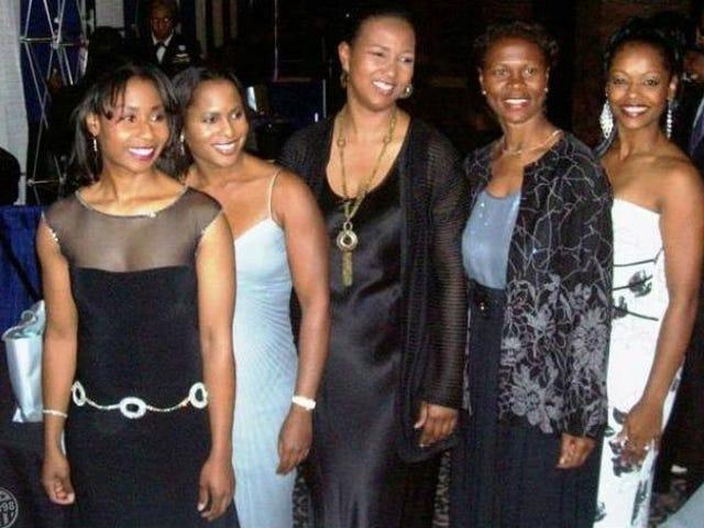 Näillä mustilla naisilla kaikilla on yhteinen ura.  Voitko arvata mikä se on?