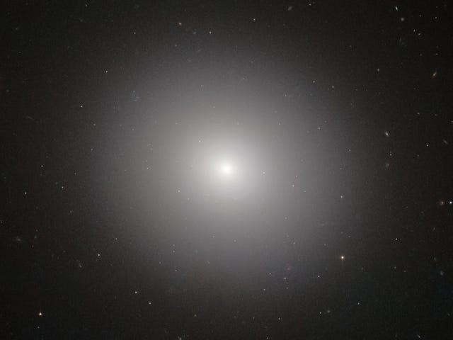 Quelque chose de très étrange se cache dans l'espace entre les galaxies