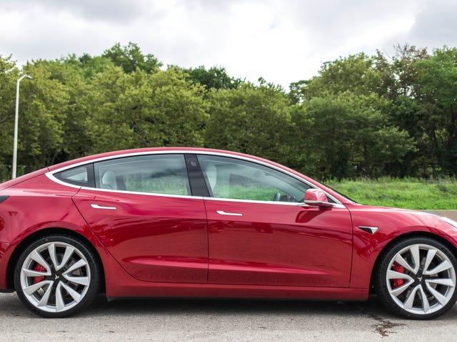 แบบจำลอง 35,000 ดอลลาร์ของ Tesla จะสูญเงินให้กับผู้ผลิตรถยนต์: Analyst