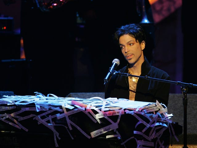 Prince's Family Sues Illinois Hospital and Walgreens for Wrongful Death