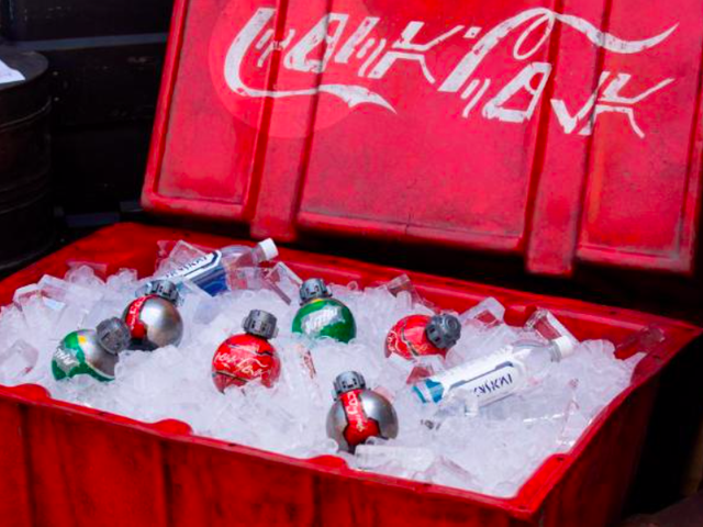 Hasta las botellas de Coca-Cola serán diferentes en la zona <i>Star Wars</i> de los parques de Disney
