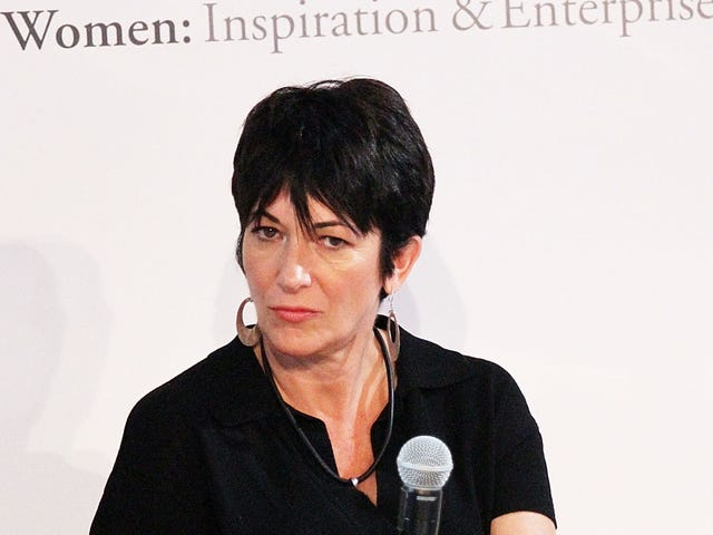 Si Ghislaine Maxwell, Alleged Co-Abuser ni Jeffrey Epstein, ay Na-Resurfaced sa isang In-N-Out Burger