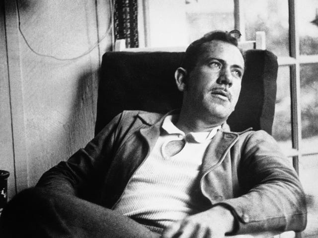 Según las memorias de su ex esposa, John Steinbeck era un imbécil horrible y mujeriego