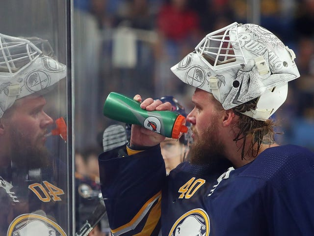 "Islander Goalie Robin Lehner Writes About His Mental Health Struggles: ""I Wanted To Kill Myself"""