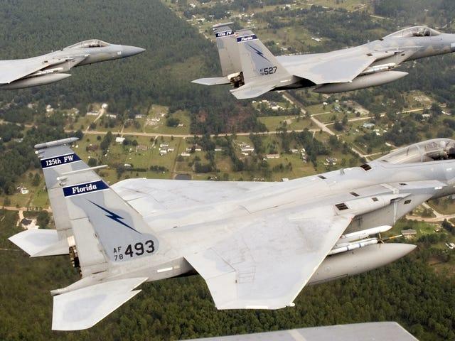 Αεροπορικός φρουρός της Φλόριντα F-15C Eagles να αναπτυχθεί στην πορεία της Ρωσίας