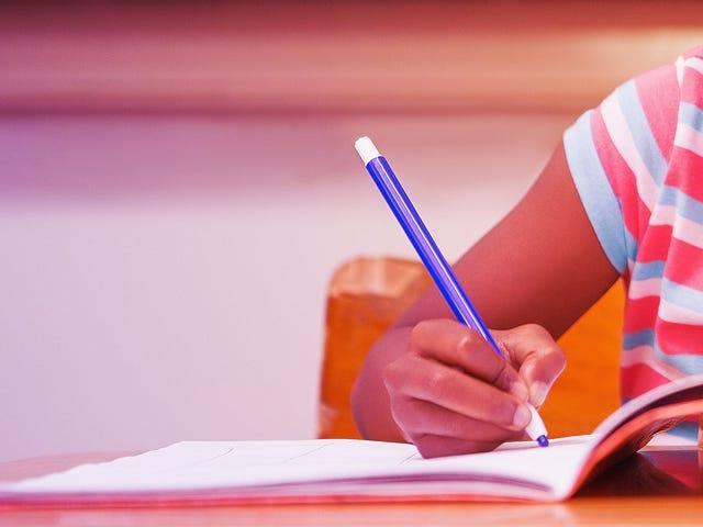 연구 : 흑인 소녀들은 특히 학교에서 '성숙화'의 영향을 느낍니다.