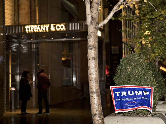 Trump-torni on nyt ympäröi Tiffany & Co. -brandadia