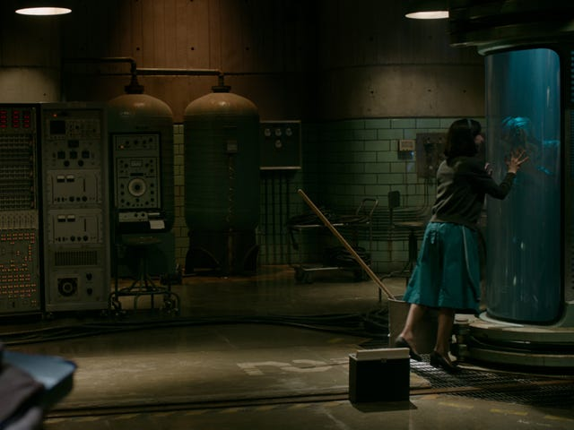 """<a href=https://www.avclub.com/chicago-dive-into-the-shape-of-water-early-and-for-fre-1820776748&xid=25657,15700019,15700124,15700149,15700186,15700191,15700201,15700214 data-id="""""""" onclick=""""window.ga('send', 'event', 'Permalink page click', 'Permalink page click - post header', 'standard');"""">シカゴ、 <i>The Shape Of Water</i>に飛び込む</a>"""