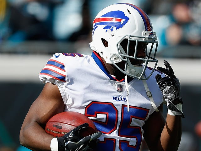 Reports: LeSean McCoy Is Unlikely To Be Charged, Coincidentally In Time For You To Root For Him Today
