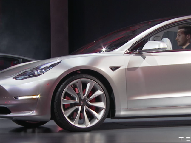 I Have No Idea Why This Analyst Thinks Tesla Is Hiding A Secret Autopilot On The Model 3
