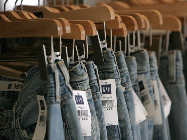 Gooi nooit je oude kleding in de prullenbak