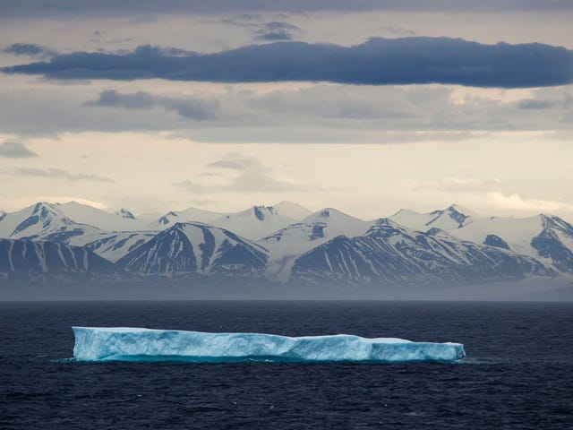 Đổ lỗi cho điều hòa không khí cũ của bạn làm tan chảy Bắc Cực