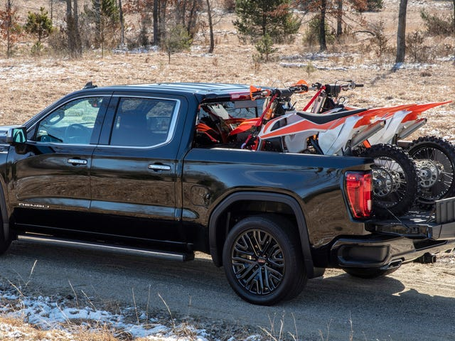 All Other Truck Beds to Go Obsolete in June as GMC's Carbon Fiber Bed Goes on Sale