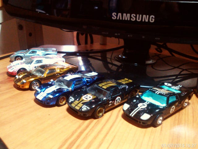 Parked on my desk: Ford GT-40s