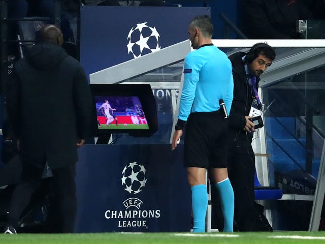VAR gör en mess i Champions League