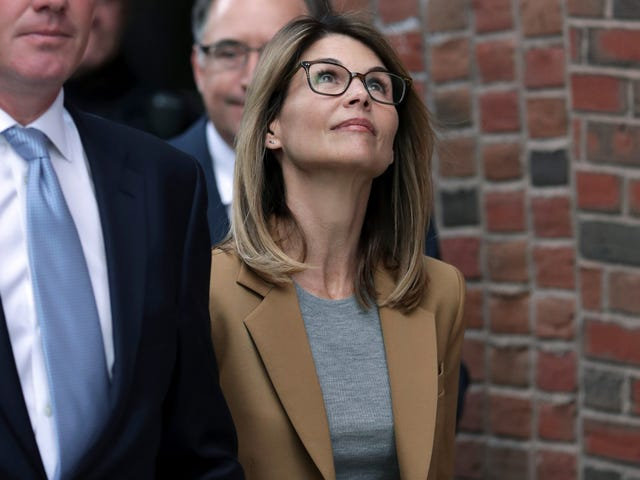 Lori Loughlin and Her Husband Mossimo Giannulli Plead Not Guilty in College Admissions Scandal