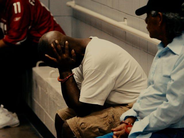 America's Bail System svindler de fattige