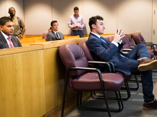 Johnny Manziel's Lawyer Accidentally Sends Unfortunate Text About His Client To AP