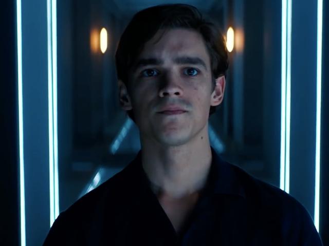 Titans 'Brenton Thwaites về lý do tại sao Dick Grayson phải chạm' đáy đá 'để trở thành Nightwing