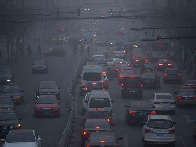 Skræmmende Billeder af Beijing's Toxic Smog 'White Christmas'