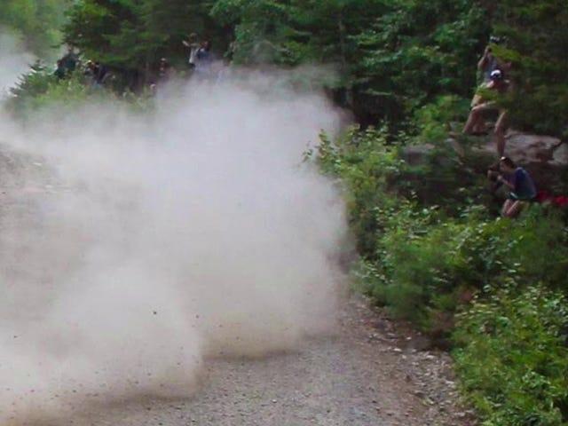 Что дядя Дасти участвует в гонке на лесной гонке Новой Англии?