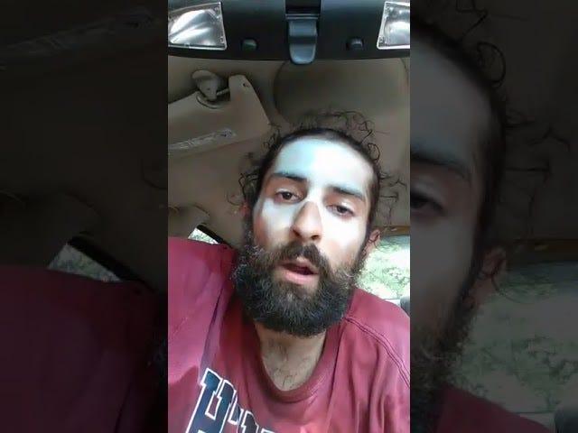 Hvit nasjonalist sier at han ikke er rasistisk fordi han er 'spansk' og fra Puerto Rico