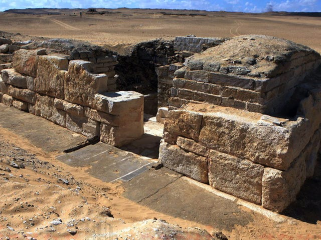 Archaeologists Have Uncovered The Tomb Of An Unknown Egyptian Queen