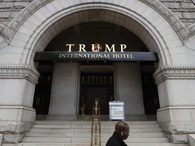 La organización Trump está pensando en vender el contrato de arrendamiento a su controvertido hotel de DC