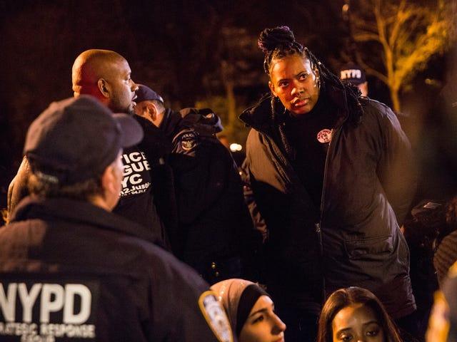 Μήπως ο NYPD κατάσκοπος σε μαύρη ζωή ζει διαδηλωτές;  Κανόνες δικαστών Οι αστυνομικοί πρέπει να αποκαλύπτουν δεδομένα επιτήρησης
