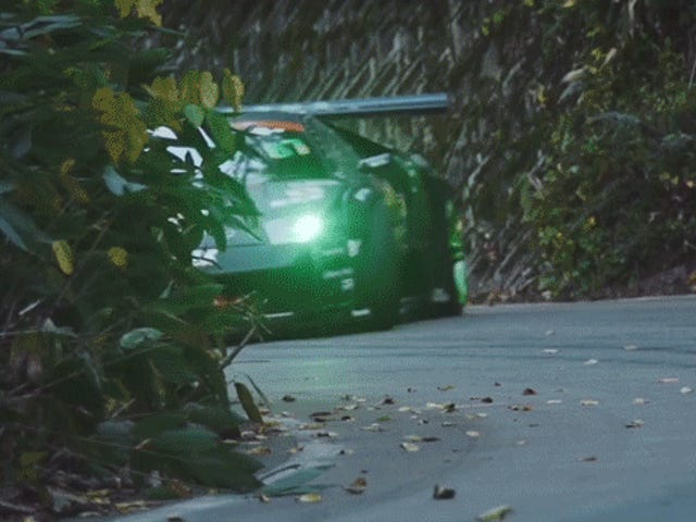 Lass alles fallen und sieh dir diesen Lamborghini VS an.  Mustang Drift Battle