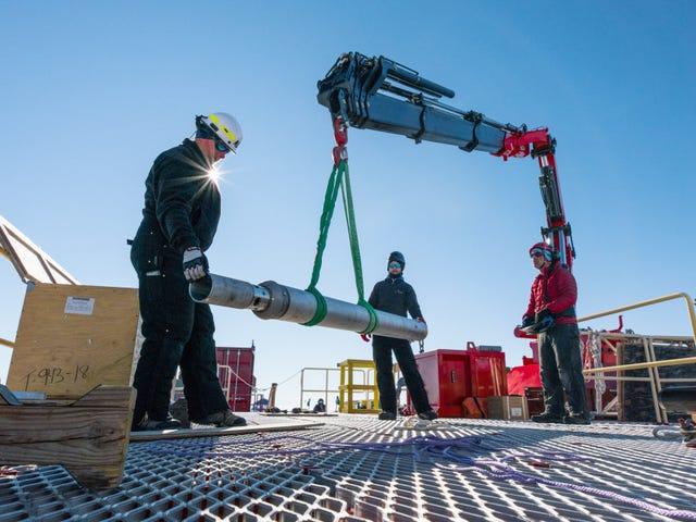Wissenschaftler schmolz ein Loch durch 3.500 Fuß Eis, um einen geheimnisvollen antarktischen See zu erreichen <em></em>