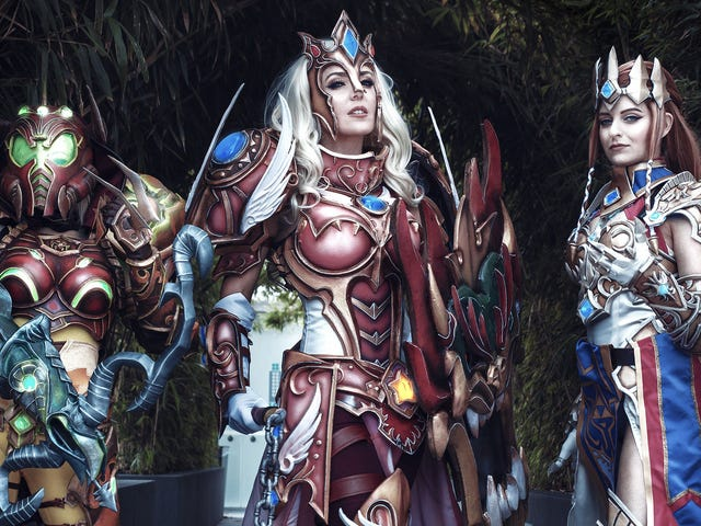 Nintendo x Diablo Cosplay Was The Star Of Anime Expo