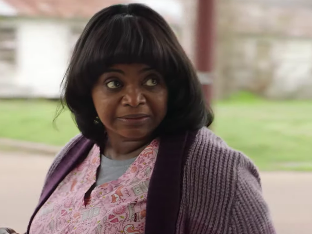 """<a href=https://news.avclub.com/octavia-spencer-goes-full-horror-in-the-bonkers-trailer-1832593691&xid=25657,15700022,15700186,15700190,15700253,15700256,15700259 data-id="""""""" onclick=""""window.ga('send', 'event', 'Permalink page click', 'Permalink page click - post header', 'standard');"""">Octavia Spencer se horroriza en el tráiler de Bonkers para <i>Ma</i></a>"""