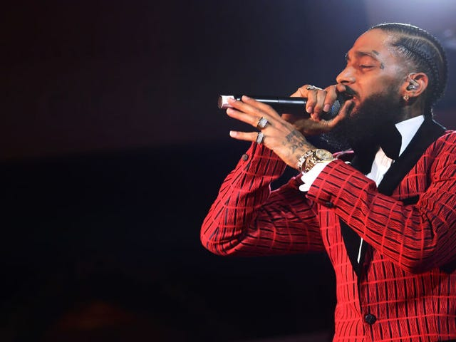 Grammy-nominerad rappare Nipsey Hussle Shot och Killed Out Store
