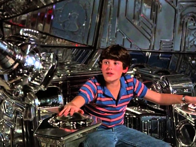 '80s Alien-Abduction Adventure Flight of the Navigator Is Getting a Remake