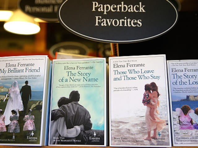 Elena Ferrante traductrice Ann Goldstein condamne la sortie de l'auteur