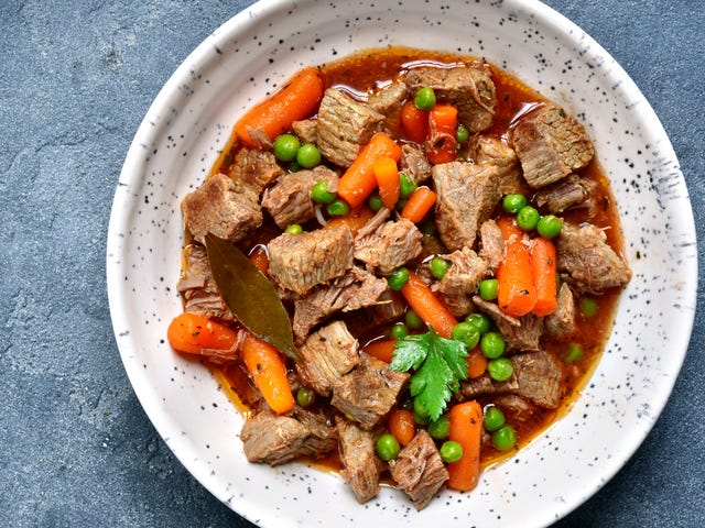 Fügen Sie gefrorene Erbsen Suppen und Eintöpfen kurz vor dem Servieren hinzu