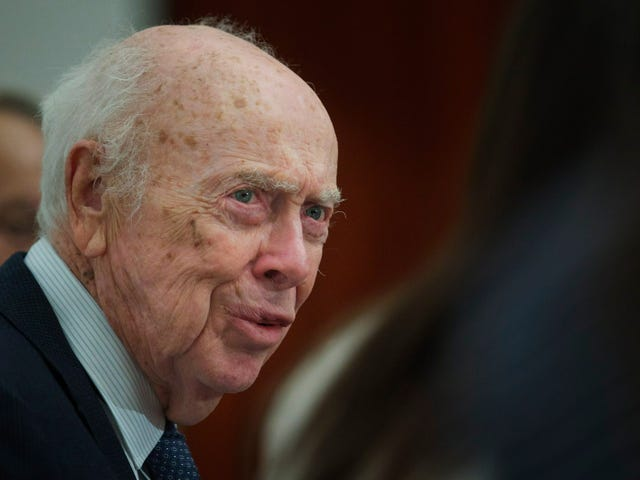 Biology Lab Strips James Watson of All Honorary Titles After 'Reprehensible' Race Remarks