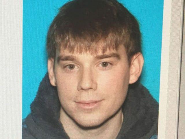 Anklaget Waffle House Killer's $ 2 Million Bail Revoked;  Politiet Undersøg fader, som kan have givet tilbage konfiskeret AR-15